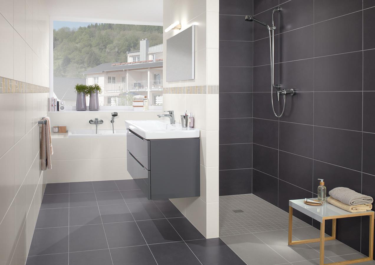 Badkamer Ideeën Kleine Ruimte : Sloped Roof Bathroom